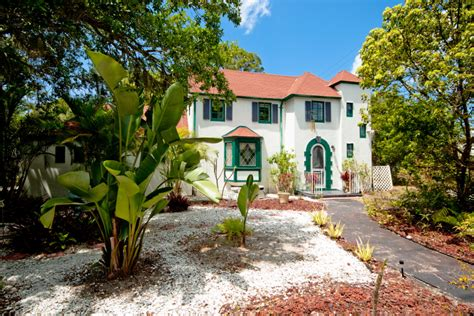 Home of the Month: Enchanted Cottage   Sarasota   Your