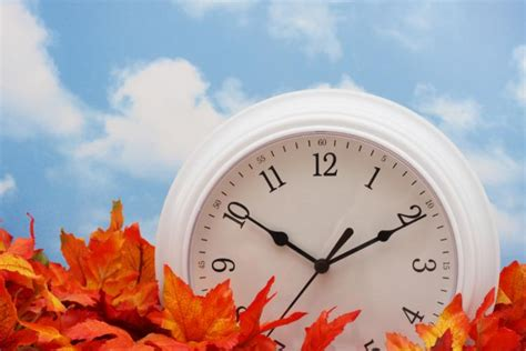 Sun, Nov 2, 2014: DST ends and clocks go back 1 hour in