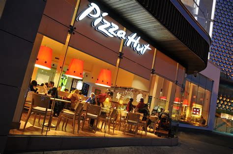 How Pizza Hut is serving up Microsoft Yammer to engage its