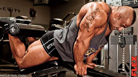 Fouad's Dig Deep Leg Workout | Muscle & Fitness