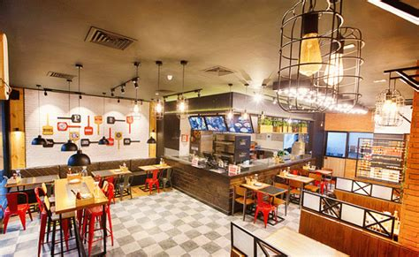 Pizza Hut launches its new open-kitchen format store