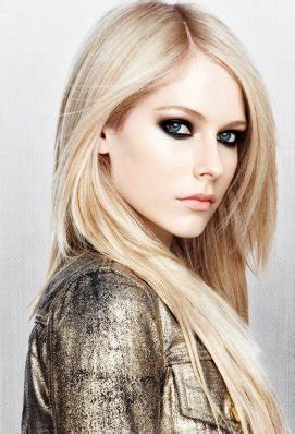 Avril Lavigne Height, Weight, Wife, Age, Biography & More